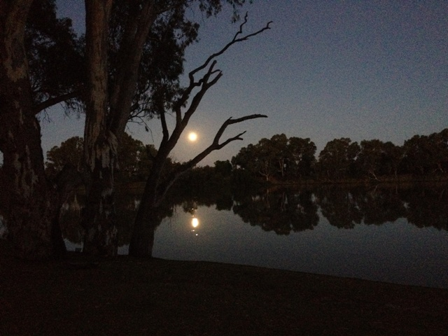 Blood moon at Martin's Bend South Australia